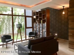 Departamento En Ventaen Naucalpan De Juarez, Lomas De Tecamachalco, Mexico, MX RAH: 20-1394