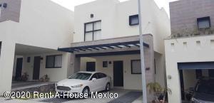 Casa En Rentaen El Marques, Zibata, Mexico, MX RAH: 20-1422