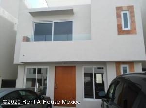 Casa En Ventaen Queretaro, Cumbres Del Lago, Mexico, MX RAH: 20-1460