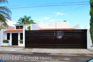 Casa En Rentaen Queretaro, Juriquilla, Mexico, MX RAH: 20-1461