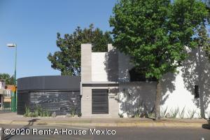 Casa En Ventaen Tlalpan, Parque Del Pedregal, Mexico, MX RAH: 20-1496
