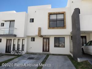 Casa En Rentaen El Marques, Zibata, Mexico, MX RAH: 20-1501