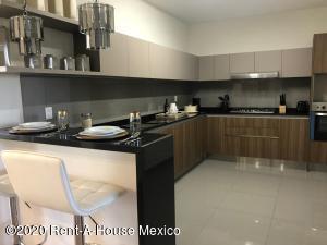 Departamento En Ventaen Huixquilucan, Bosque Real, Mexico, MX RAH: 20-1535