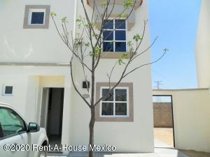 Casa En Rentaen Queretaro, El Mirador, Mexico, MX RAH: 20-1597