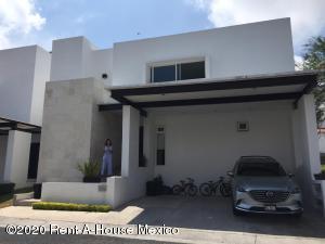 Casa En Ventaen Queretaro, Lomas Del Campanario, Mexico, MX RAH: 20-1604