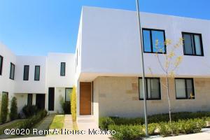 Casa En Rentaen Queretaro, El Refugio, Mexico, MX RAH: 20-1620