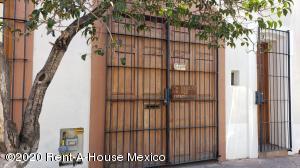 Casa En Rentaen Queretaro, Centro, Mexico, MX RAH: 20-1621
