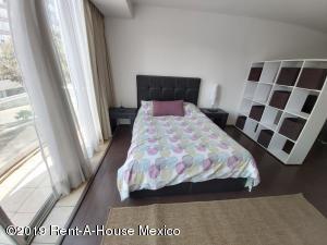Departamento En Rentaen Huixquilucan, Interlomas, Mexico, MX RAH: 20-1629