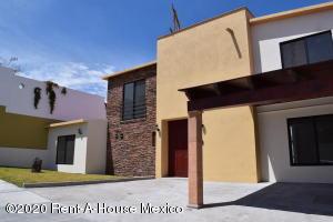 Casa En Ventaen El Marques, Zibata, Mexico, MX RAH: 20-1730