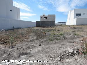 Terreno En Ventaen Queretaro, San Isidro Juriquilla, Mexico, MX RAH: 20-1758