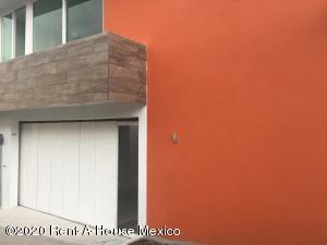 Casa En Ventaen Naucalpan De Juarez, Lomas Verdes Primera Seccion, Mexico, MX RAH: 20-1048