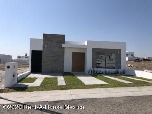 Casa En Ventaen Queretaro, San Isidro Juriquilla, Mexico, MX RAH: 20-847