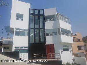 Casa En Rentaen Atizapan De Zaragoza, Lomas De Bellavista, Mexico, MX RAH: 20-1779