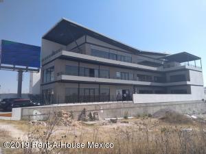 Bodega En Rentaen Queretaro, El Mirador, Mexico, MX RAH: 20-1949