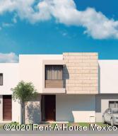 Casa En Ventaen El Marques, Zibata, Mexico, MX RAH: 20-1953