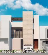 Casa En Ventaen El Marques, Zibata, Mexico, MX RAH: 20-1951