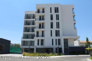 Departamento En Ventaen El Marques, Zibata, Mexico, MX RAH: 20-892