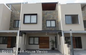 Casa En Ventaen Corregidora, Canadas Del Lago, Mexico, MX RAH: 20-1974
