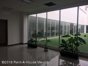 Edificio En Rentaen Tlalpan, Tepepan, Mexico, MX RAH: 20-2107