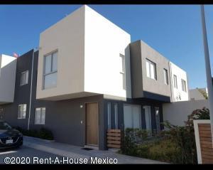 Casa En Rentaen Queretaro, Santa Fe De Juriquilla, Mexico, MX RAH: 20-2136