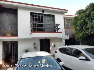 Casa En Ventaen Naucalpan De Juarez, San Mateo Nopala, Mexico, MX RAH: 20-2210