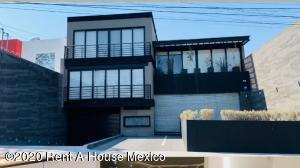Edificio En Rentaen Queretaro, Alamos 2Da Seccion, Mexico, MX RAH: 20-2234
