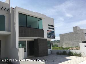 Casa En Ventaen Corregidora, Canadas Del Arroyo, Mexico, MX RAH: 20-2280