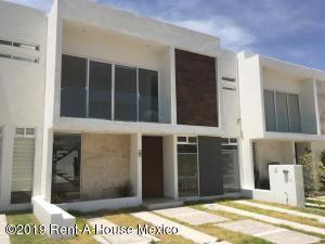 Casa En Ventaen Corregidora, Canadas Del Arroyo, Mexico, MX RAH: 20-2283