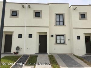 Casa En Rentaen Queretaro, El Mirador, Mexico, MX RAH: 20-2302
