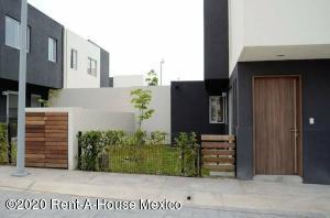 Casa En Rentaen Queretaro, Santa Fe De Juriquilla, Mexico, MX RAH: 20-2326