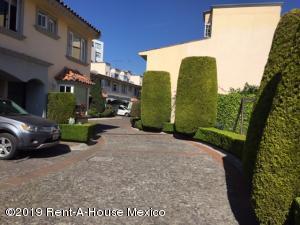 Casa En Ventaen Cuajimalpa De Morelos, Cuajimalpa, Mexico, MX RAH: 20-2333