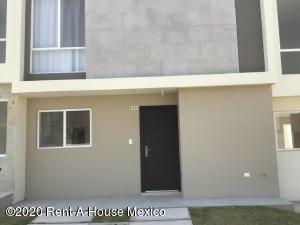 Casa En Rentaen El Marques, Zakia, Mexico, MX RAH: 20-2340