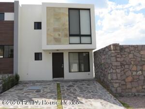 Casa En Rentaen El Marques, Zibata, Mexico, MX RAH: 20-2349