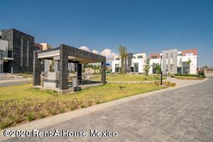 Casa En Ventaen Calimaya, Villas Del Campo, Mexico, MX RAH: 20-2360