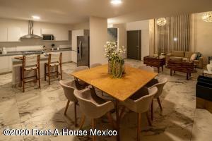 Casa En Ventaen Playa Del Carmen, The Fives, Mexico, MX RAH: 20-2398