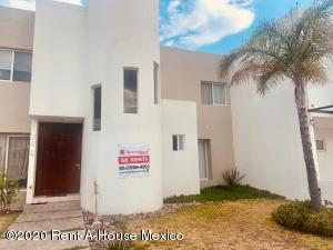 Casa En Rentaen Queretaro, Mision Conca, Mexico, MX RAH: 20-2421