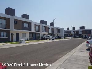 Casa En Rentaen El Marques, Zakia, Mexico, MX RAH: 20-2431