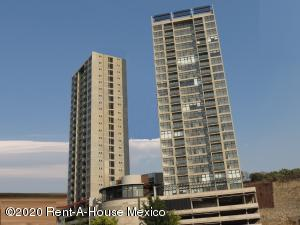 Departamento En Rentaen El Marques, Monte Miranda, Mexico, MX RAH: 20-2443