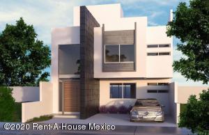 Casa En Ventaen El Marques, Zibata, Mexico, MX RAH: 20-2456