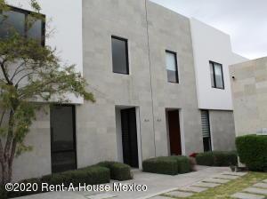 Casa En Rentaen Queretaro, El Refugio, Mexico, MX RAH: 20-2531