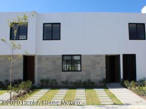Casa En Rentaen El Marques, Zibata, Mexico, MX RAH: 20-2550