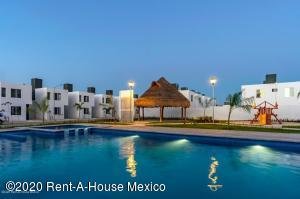 Casa En Ventaen Kanasin, Residencial Las Palmas, Mexico, MX RAH: 20-2555