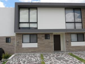 Casa En Rentaen Queretaro, El Refugio, Mexico, MX RAH: 20-2579