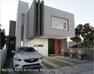 Casa En Ventaen El Marques, Zibata, Mexico, MX RAH: 20-2580