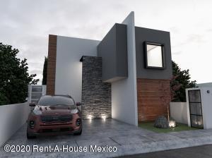 Casa En Ventaen El Marques, Zibata, Mexico, MX RAH: 20-2581