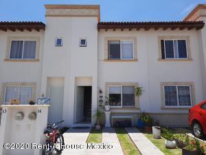 Casa En Ventaen Queretaro, Penuelas, Mexico, MX RAH: 20-2651