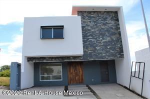 Casa En Ventaen El Marques, Zibata, Mexico, MX RAH: 20-2670