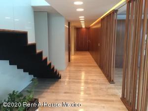 Departamento En Rentaen Miguel Hidalgo, Lomas De Chapultepec, Mexico, MX RAH: 20-2718