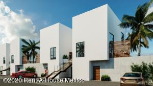 Departamento En Ventaen Queretaro, San Isidro Juriquilla, Mexico, MX RAH: 20-2728