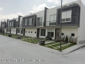 Casa En Ventaen San Mateo Atenco, San Francisco, Mexico, MX RAH: 20-2736